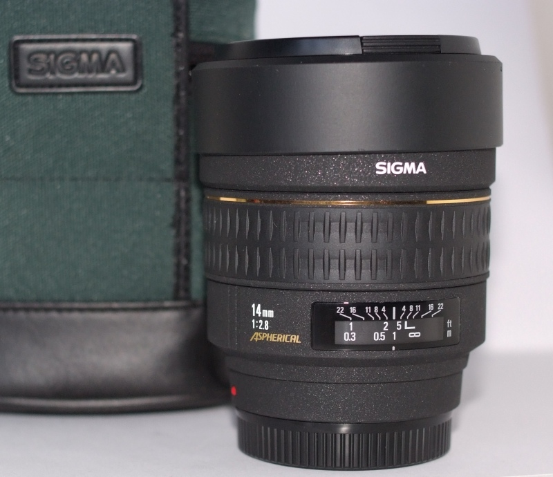Sigma 14mm f/2.8 EX ASPHERICAL pro SONY