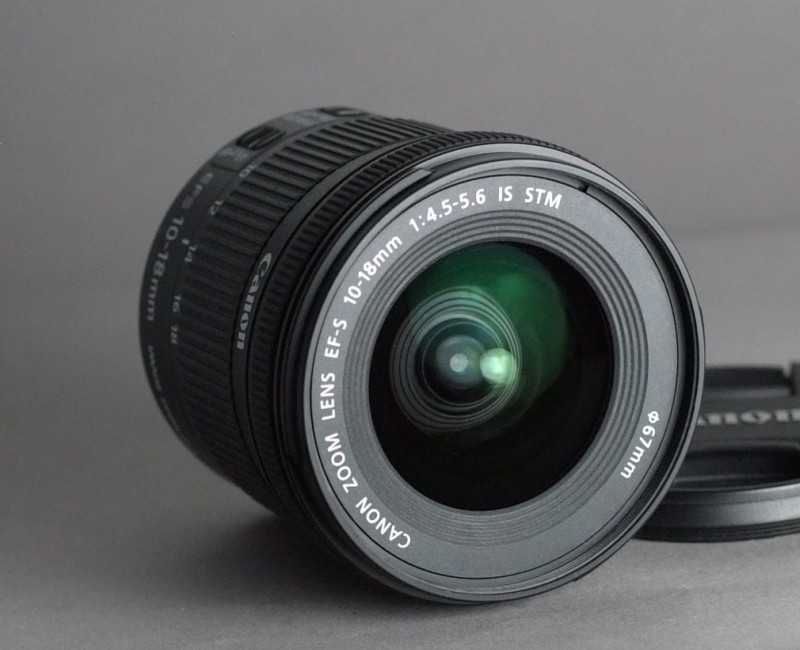 Canon EF-S 10-18mm f/4.5-5.6 IS STM TOP STAV