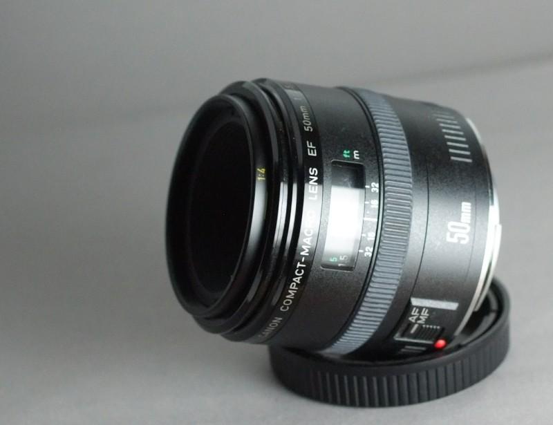Canon EF 50 mm f/2,5 Compact Macro