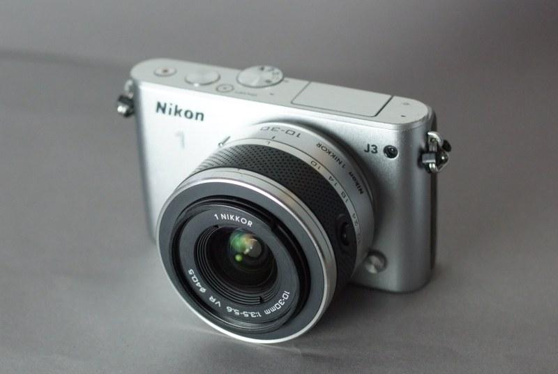 Nikon 1 J3 + 10-30 mm VR