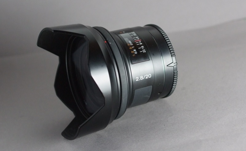 Sony 20mm f/2,8 SAL