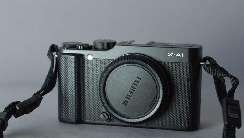 Fujifilm FinePix X-A1 TOP STAV