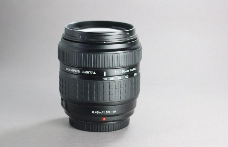 Olympus ZUIKO 18-180mm f/3,5-6,3