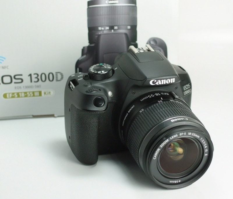 Canon EOS 1300D + 18-55mm  IS II  TOP STAV