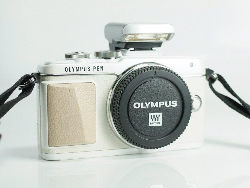 Olympus PEN E-PL7 TOP STAV