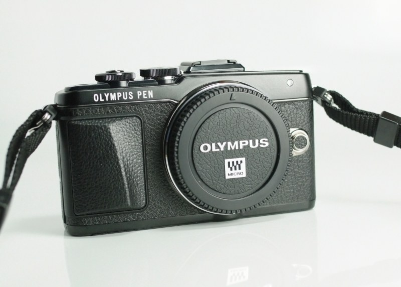 Olympus PEN E-PL7 TOP STAV