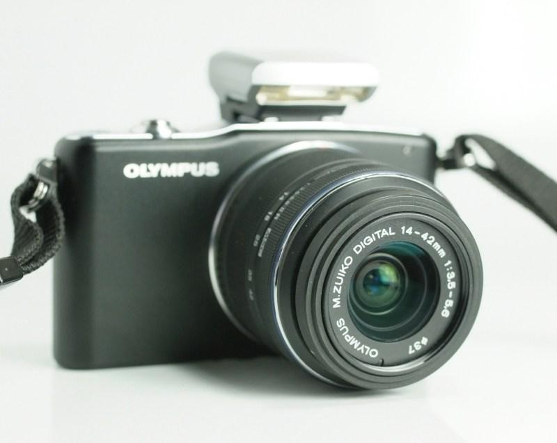 OLYMPUS E-PM1 + 14-42 mm II TOP STAV