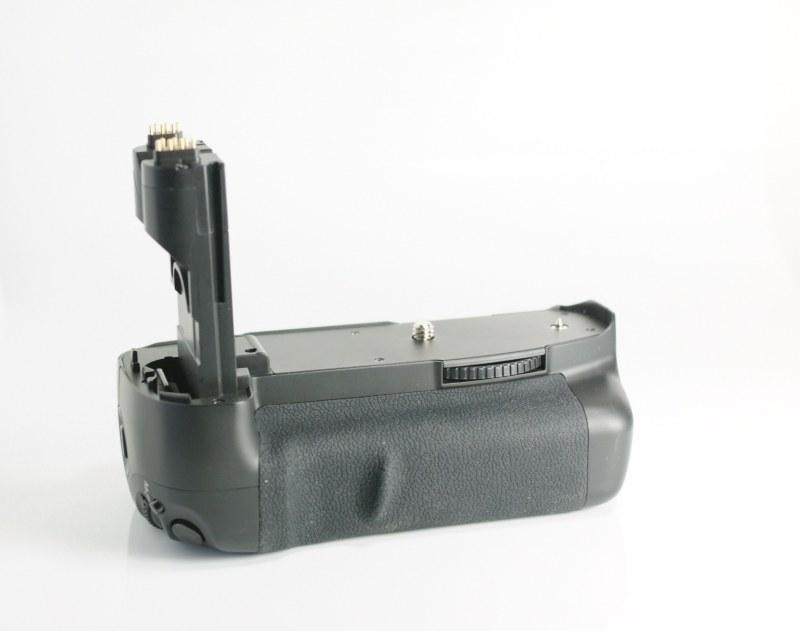 Meike MK7-DL Bateriový grip pro Canon 7D