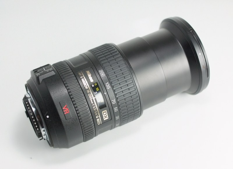 NIKON 18-200 mm f/3,5-5,6 G AF-S DX VR TOP STAV