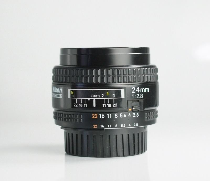 NIKON 24 mm f/2,8  AF