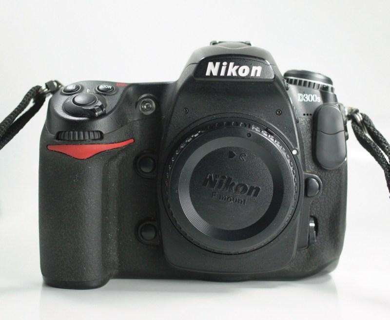 Nikon D300s SUPER STAV