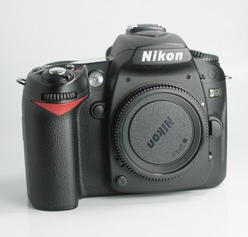 NIKON D90 TOP STAV