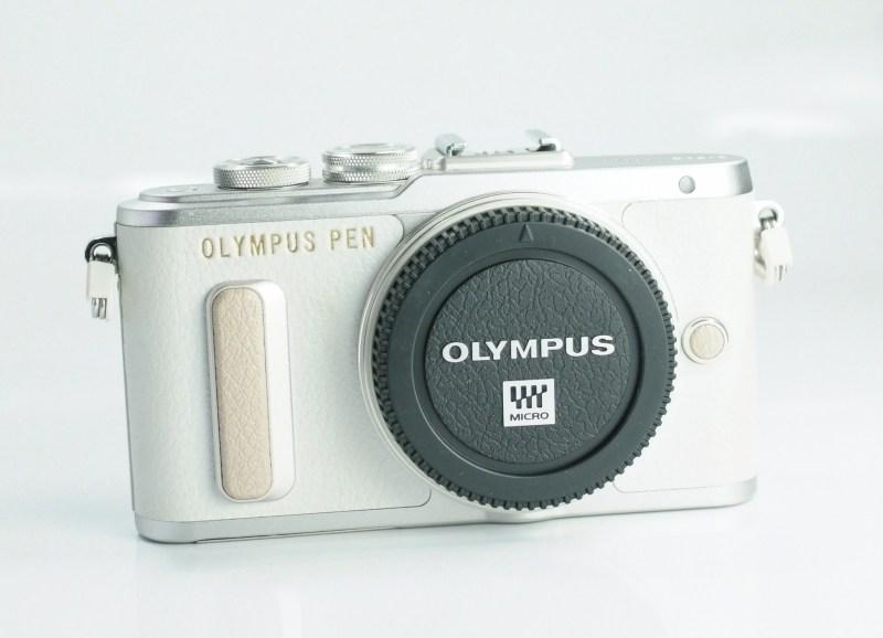 Olympus PEN E-PL8 záruka 8/2020