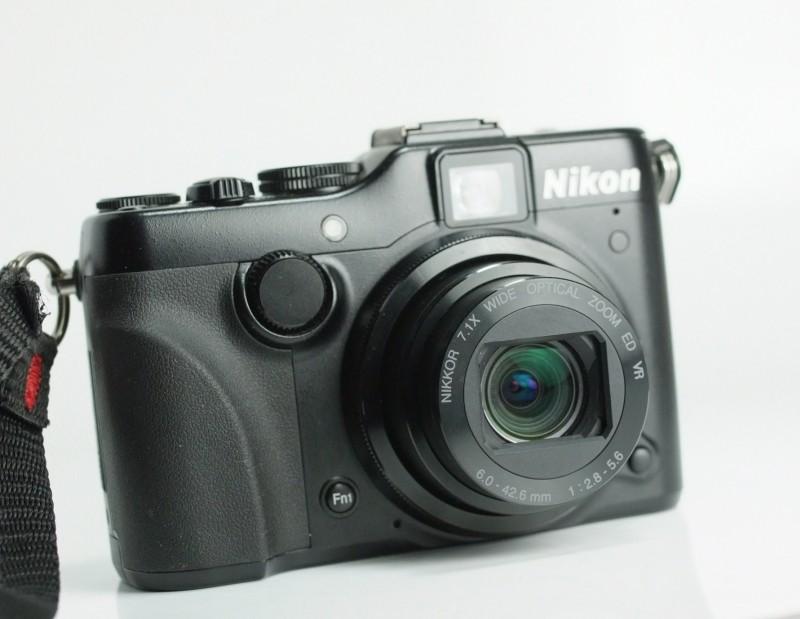 Nikon Coolpix P7100 SUPER STAV