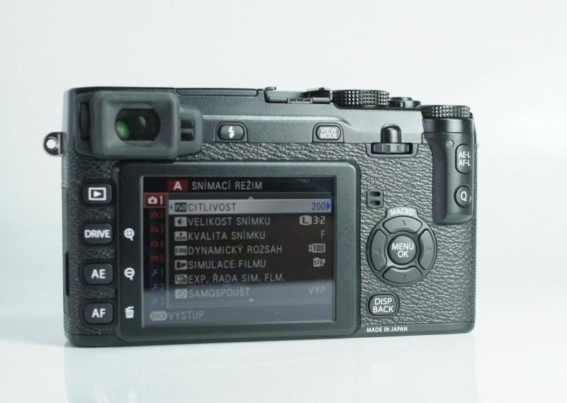 Fujifilm FinePix X-E1 TOP STAV