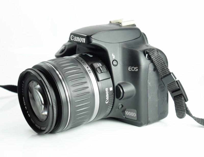 Canon EOS 1000D + Canon 18-55mm II