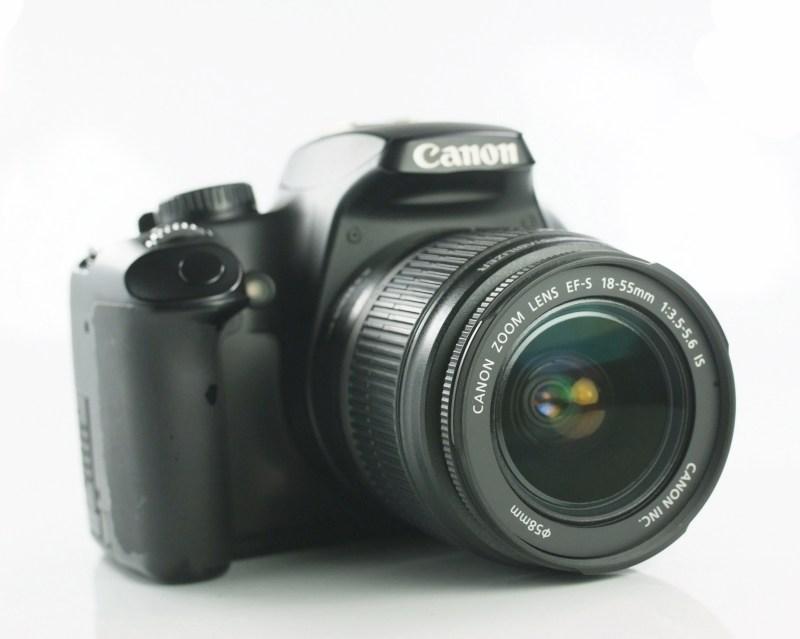 Canon EOS 1000D + Canon 18-55mm