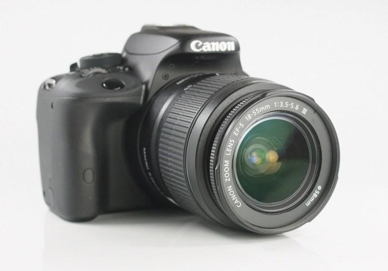 Canon 100D + Canon 18-55mm III