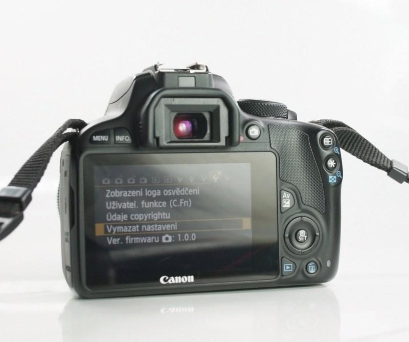 Canon 100D + Canon 18-55mm STM  TOP STAV