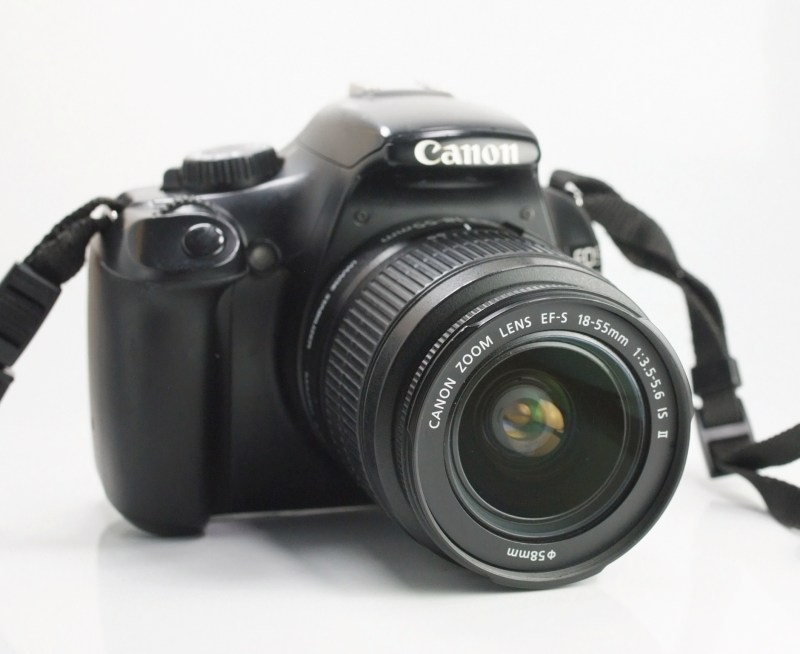 Canon EOS 1100D + Canon 18-55mm IS II