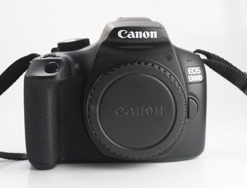 Canon EOS 1300D TOP STAV