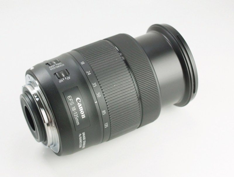 CANON EF-S 18-135 mm f/3,5-5,6 IS NANO USM TOP
