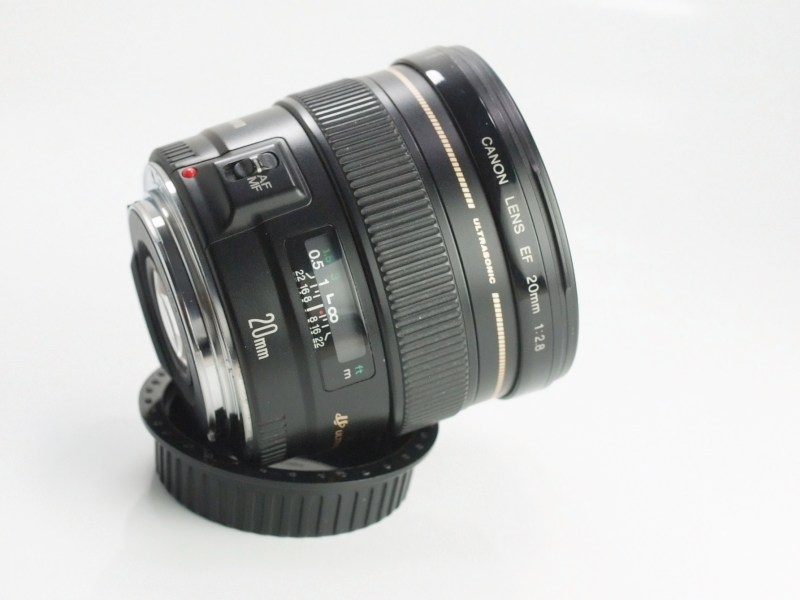 CANON EF 20 mm f/2,8 USM SUPER STAV