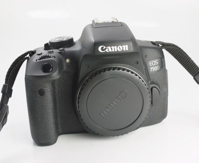 Canon EOS 750D TOP STAV