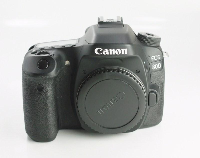 Canon EOS 80D TOP STAV