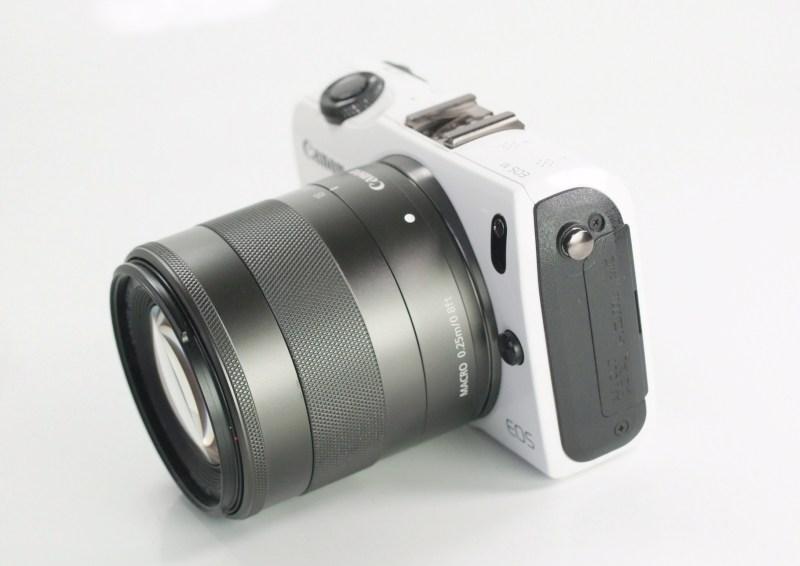 CANON EOS M + Canon 18-55mm SUPER STAV