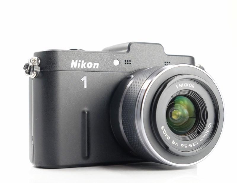 NIKON 1 V1 + 10-30 mm VR