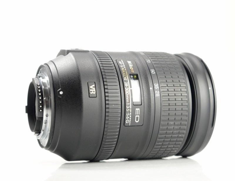 NIKON 28-300 mm f/3,5-5,6 G ED VR AF-S TOP