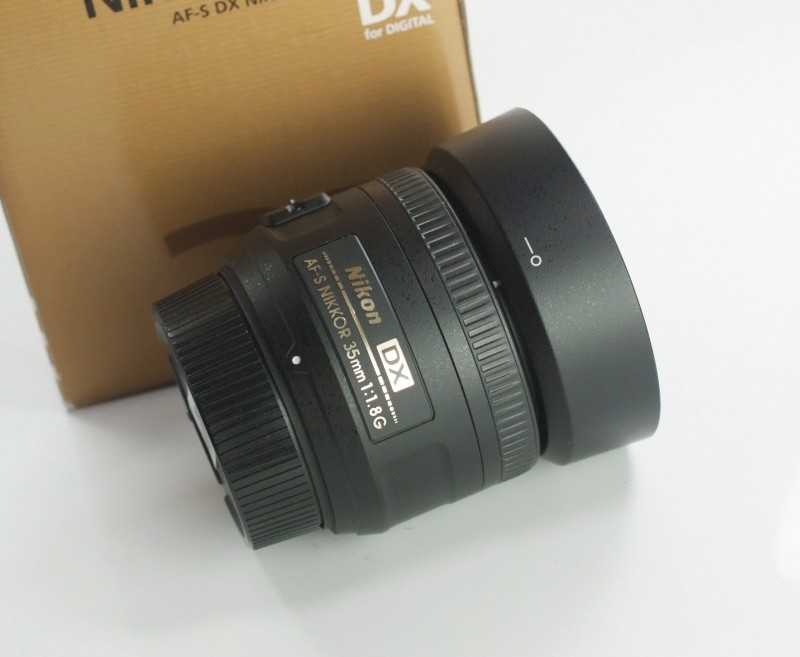 NIKON 35 mm f/1,8 AF-S G DX TOP STAV