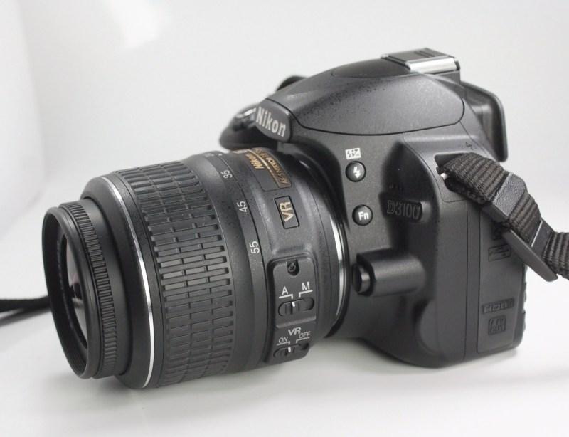 Nikon D3100 + Nikon 18-55mm VR SUPER STAV