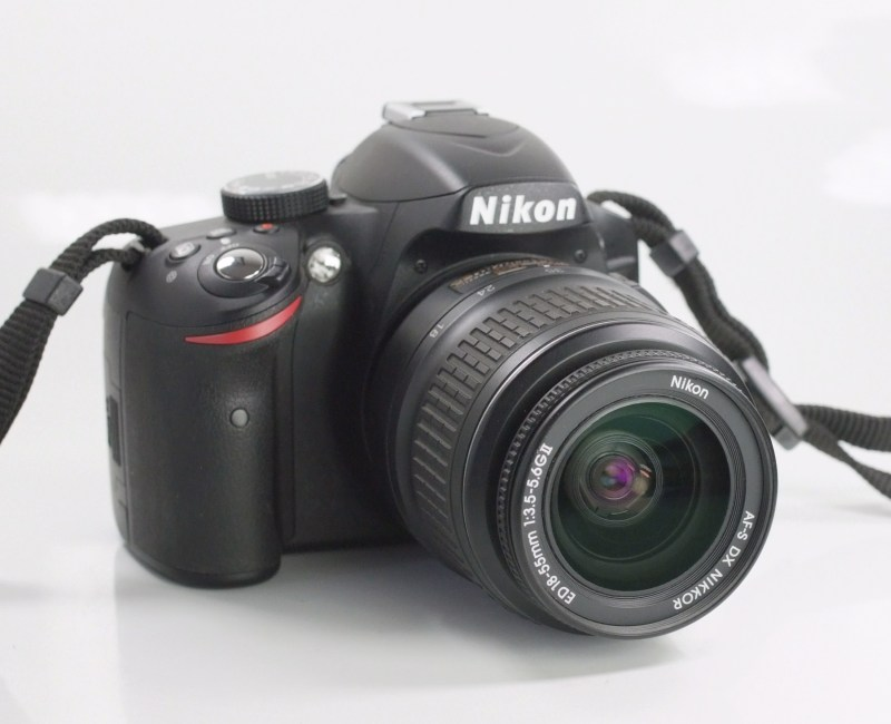 NIKON D3200  + 18-55 mm  TOP STAV