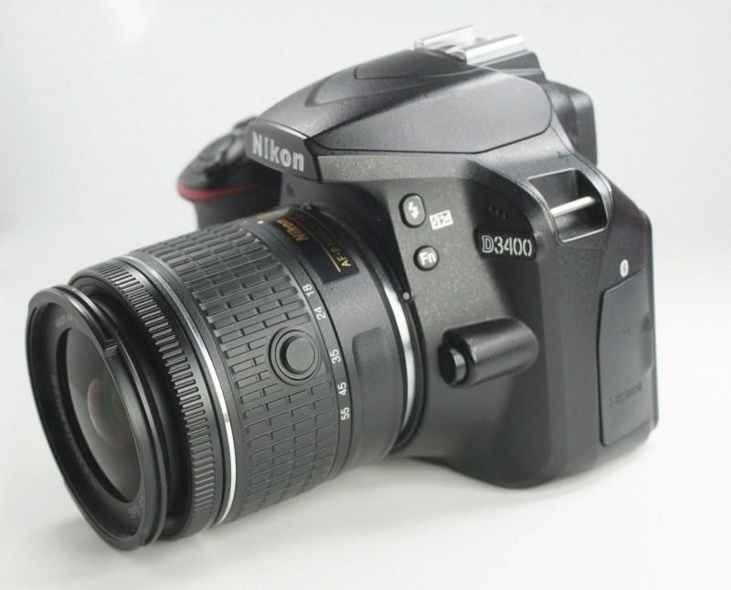 Nikon D3400 + Nikon 18-55mm AFP TOP STAV