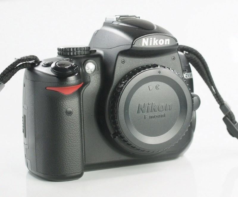 Nikon D5000 TOP STAV