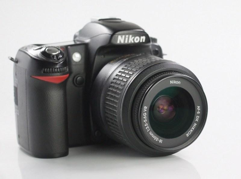 NIKON D80 + Nikon 18-55mm VR