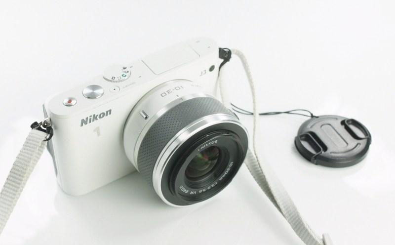 Nikon 1 J3 + Nikon 10-30mm VR