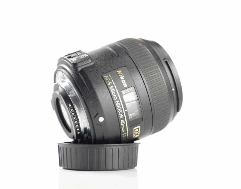 NIKON 40 mm f/2,8 G MICRO AF-S DX záruka 6/2021