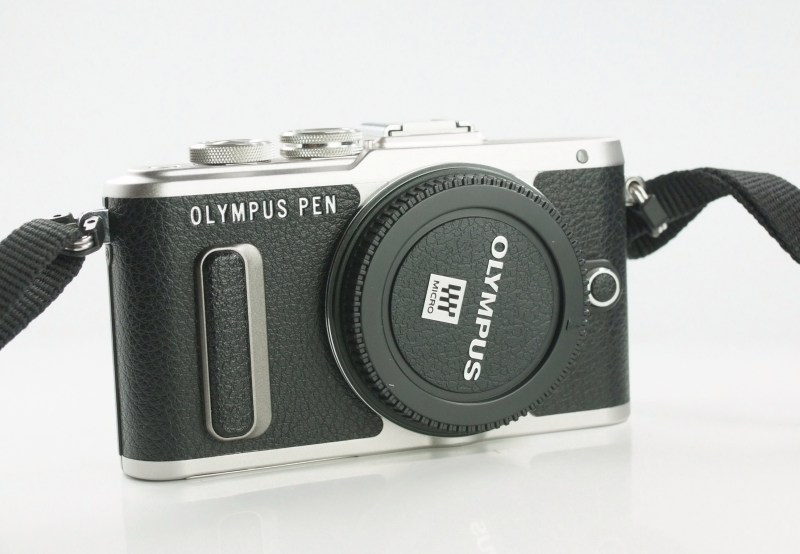 Olympus PEN E-PL8 TOP STAV