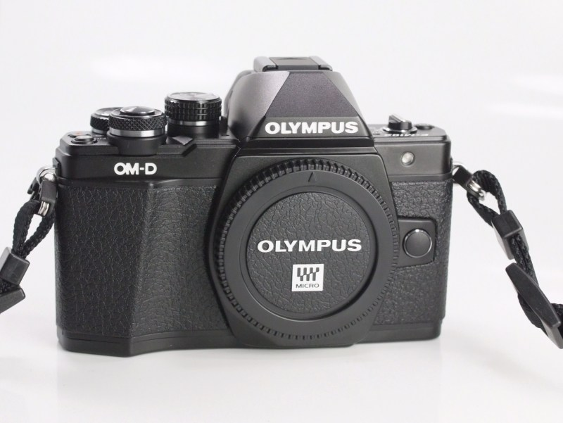 OLYMPUS E-M10 Mark II TOP STAV záruka 2/2021