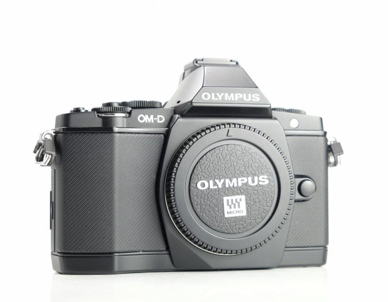 OLYMPUS E-M5  TOP STAV