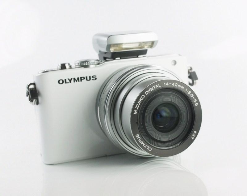 OLYMPUS E-PL3 + 14-42 mm EZ