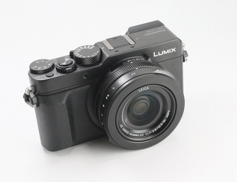 PANASONIC Lumix DMC-LX100  TOP STAV