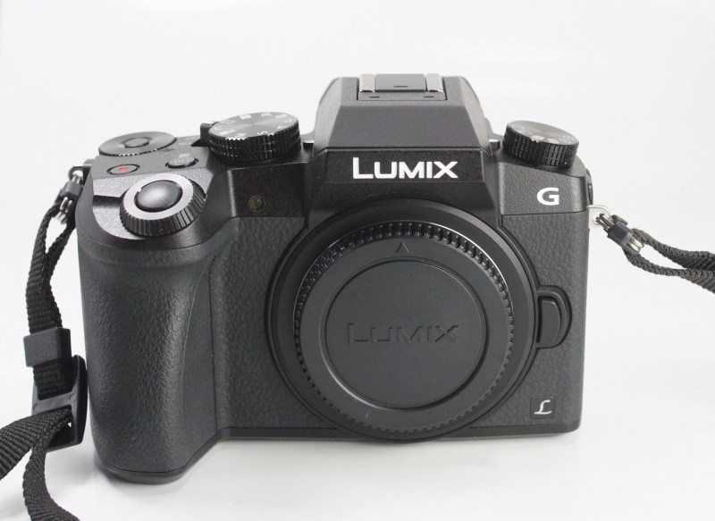 PANASONIC Lumix DMC-G7 TOP STAV