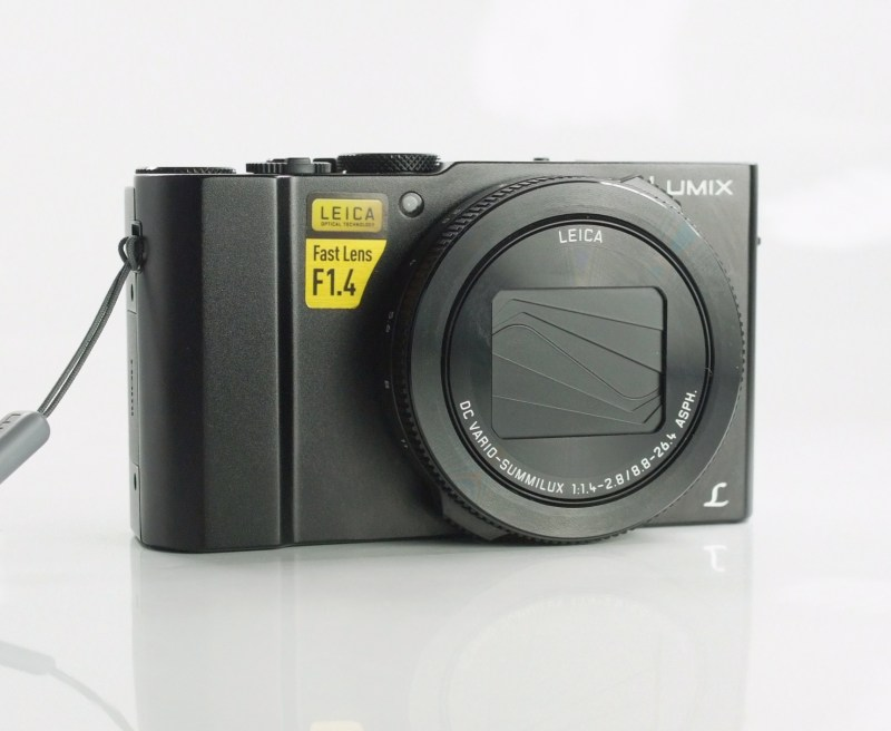 PANASONIC Lumix DMC-LX15 TOP STAV
