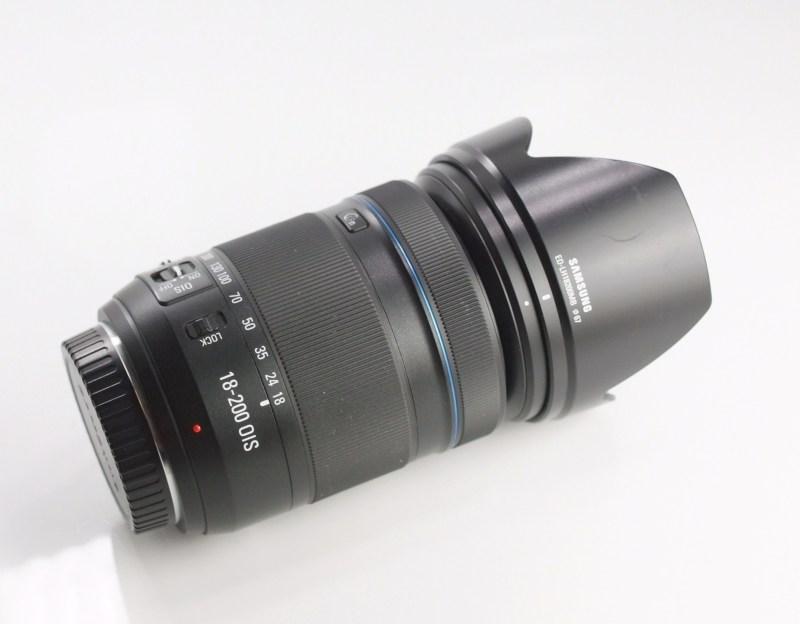 SAMSUNG 18-200 mm f/3,5-6,3 O.I.S pro NX SUPER STAV