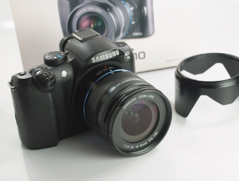 Samsung NX10 + 18-55 mm  SUPER STAV