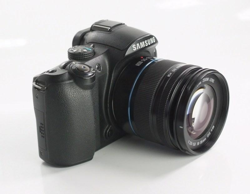 Samsung NX10 + 18-55 mm  SUPER STAV